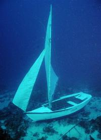 underwater_sailing_medium